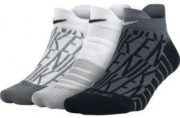 Nike Dry Cushion Low GFX Training Sock (3 Pair) 72659fa9cd1